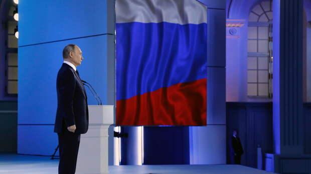 Путин: за подводку газа к границам домохозяйств люди платить не должны