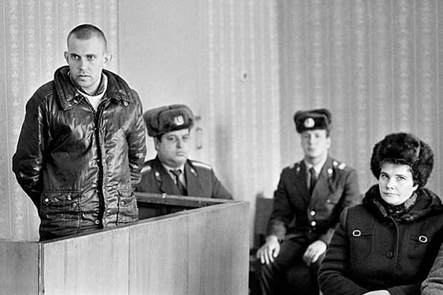Суд над тунеядцем в Липецке, 1987 год. Фото: С. Губский / Фотохроника ТАСС