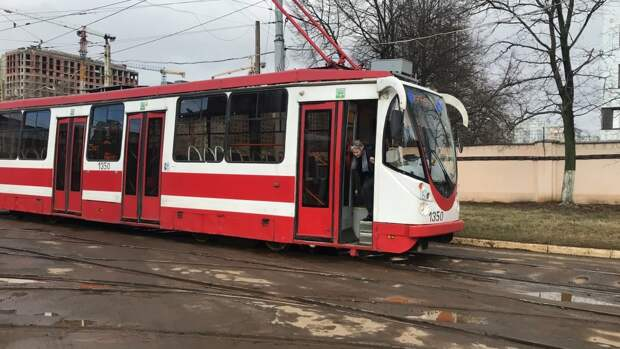 Обновить трамваи и запустить новые маршруты планируют в Петербурге к 2025 году