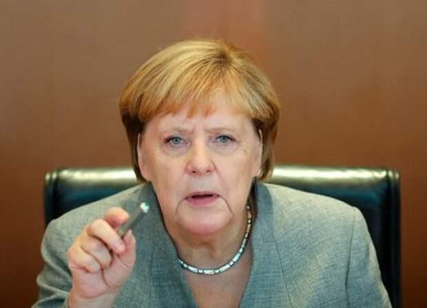 Меркель заступилась за СП-2: «Этот газ не хуже идущего через Украину!»