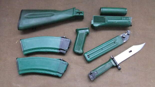 Для чего на «Ижмаше» делали зеленые автоматы Калашникова...