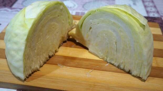 Никто не догадается, что это блюдо из обычной капусты) Очень вкусно!!)