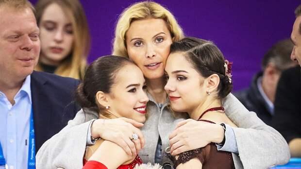 Тутберидзе-тим постом с совместным фото Загитовой и Медведевой сообщила, что тур «Чемпионы на льду-2021» состоится