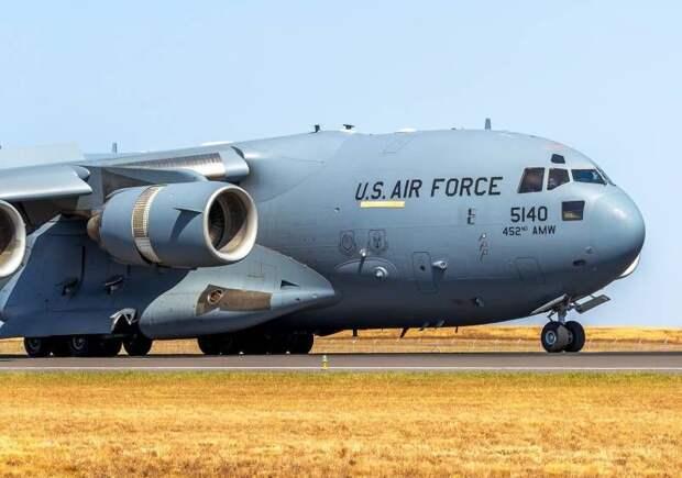 Транспортники станут бомбардировщиками: в США тестируют новые самолеты для атаки на РФ