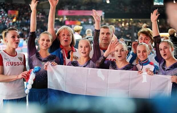 «Лучше смотреть без звука». Русские гимнастки эмоционально отметили окончание ЧМвШтутгарте