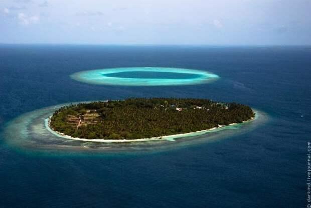 Пролетая над Мальдивами