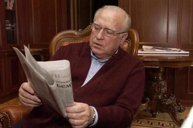 Интервью с Виктором Черномырдиным, которые вышли в «Комсомольской правде», мы перечитывали несколько дней.