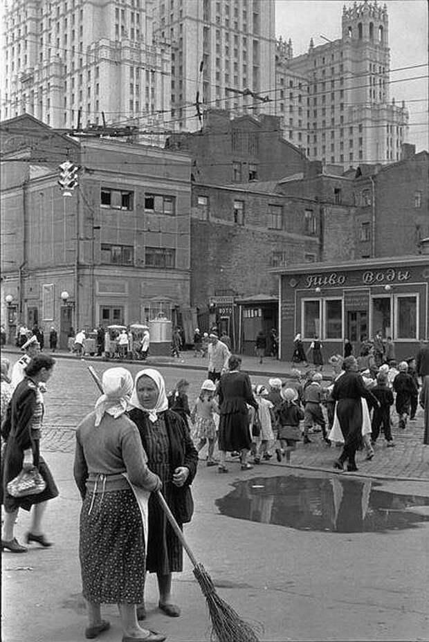 Cartier Bresson24 25 кадров Анри Картье Брессона о советской жизни в 1954 году