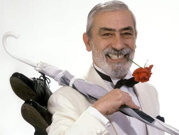 Дно Вахтанга Кикабидзе. Как любимец публики растоптал самого себя