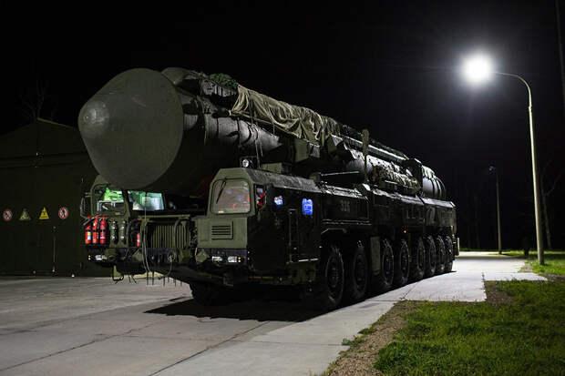 Американский адмирал сравнил модернизацию ядерного комплекса РФ и США