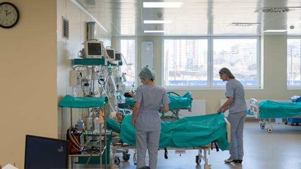 Спад заболеваемости COVID-19 в России может начаться в сентябре