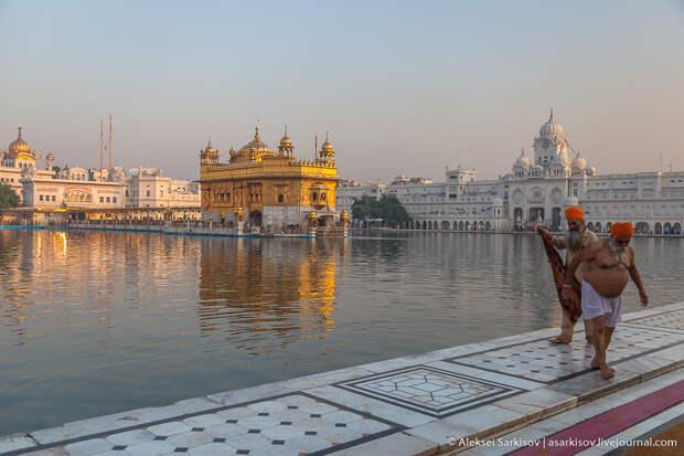 Индия. Амритсар. Золотой храм