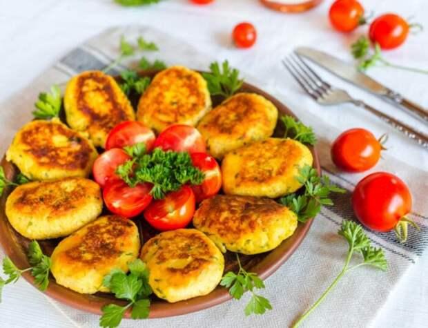 Картофельные котлеты с яблоком. \ Фото: chefmarket.ru.