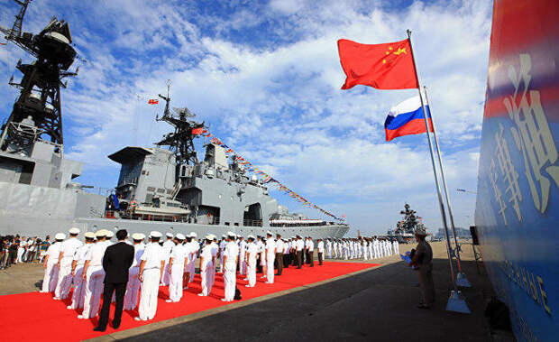Daily Mail (Великобритания): Путин говорит, что в будущем может появиться военный альянс России и Китая, еще более мощный, чем США