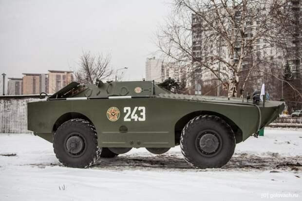 Фотографировать БРДМ-1 сложно. С любого ракурса машина выглядит по-разному. Встанешь слева, он выглядит как крокодил. авто, автомобили, брдм, брдм-1, бронеавтомобиль, броневик, военная техника, тест-драйв
