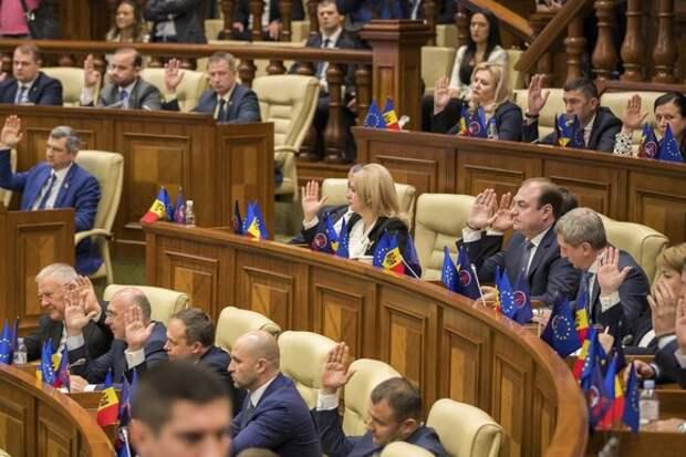 Молдавия введет режим чрезвычайного положения из-за пандемии коронавируса