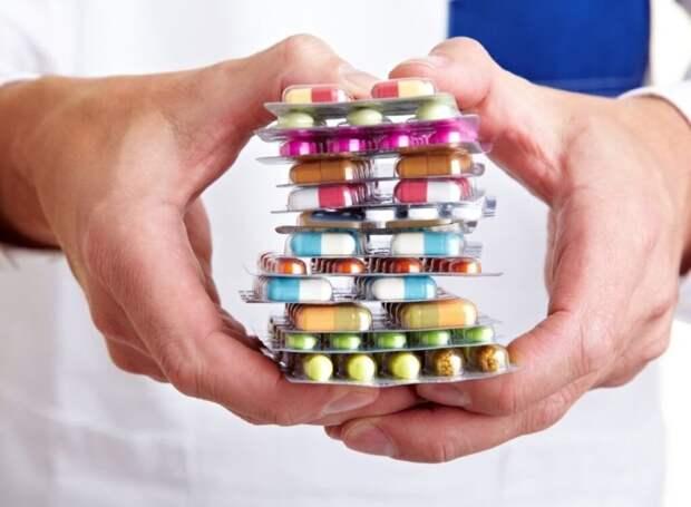 Быстро снизить холестерин помогут правильно подобранные лекарства