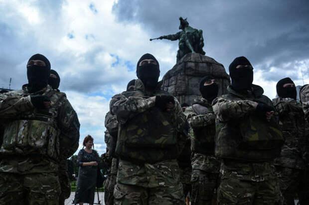 """Украина официально объявляет России """"полувойну"""""""