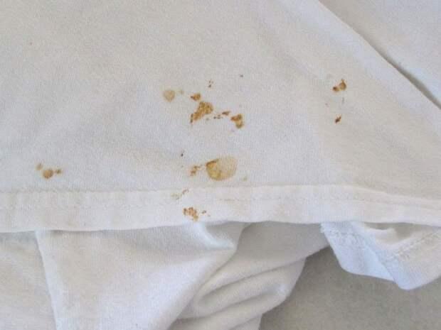 Простой и действенный способ удаления ржавчины с одежды