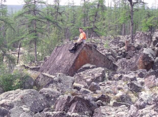 Каменая структура на Анабарском плато в Сибири.