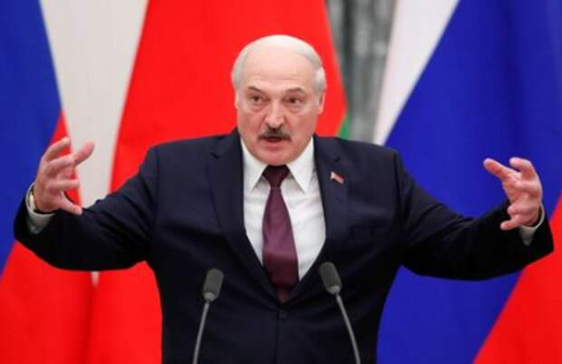 Belarusian President Alexander Lukashenko speaks during a news conference following talks with his Russian counterpart Vladimir Putin at the Kremlin in Moscow, Russia September 9, 2021. REUTERS/Shamil Zhumatov