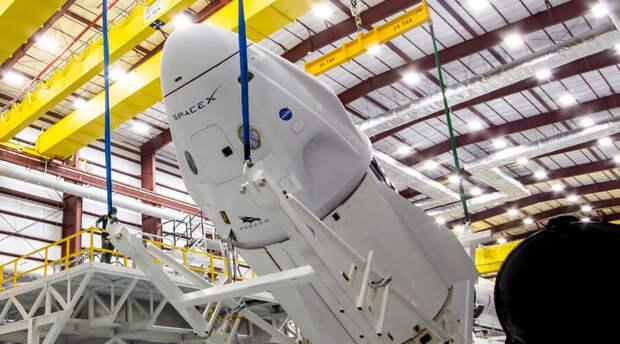 Полеты на Луну стали ближе: за дело взялся Илон Маск