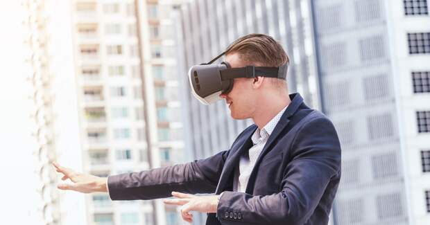 Facebook начнет размещать рекламу в приложениях виртуальной реальности