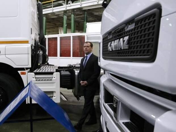 Регионам в 2015 г. дадут субсидии на закупку автомобилей на газе и гибридов
