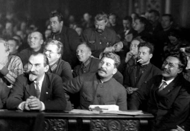 Ожесточенная борьба Сталина за власть в переломные 20-е