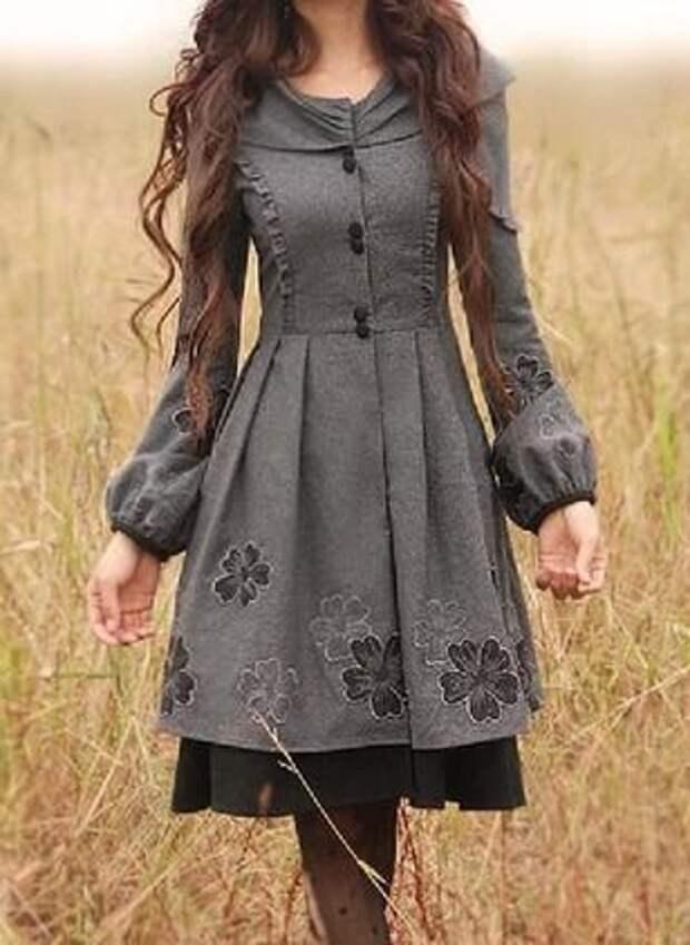 Игра на контрастах: теплое платье с легким кружевом