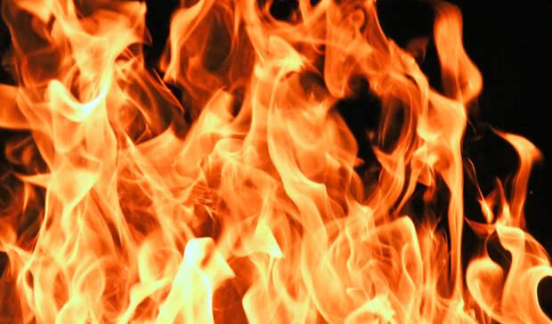 Встоличном районе Новопеределкино огонь охватил квартиру ишесть балконов
