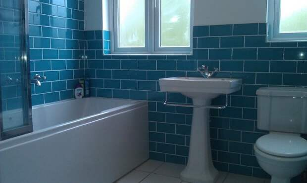 Раскладка плитки в ванной: виды, способы комбинирования (69 фото)