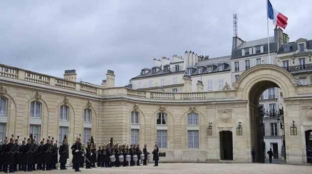 Советник Макрона назвал условие для возобновления контактов Франции с Австралией