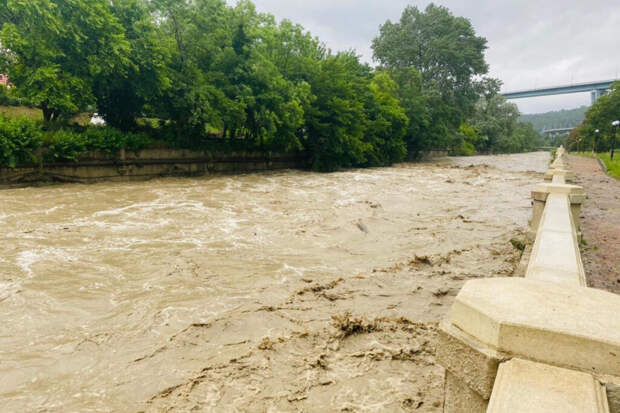 Жителей Сочи призвали быть готовыми к эвакуации