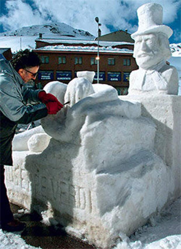 На горнолыжном курорте Пас-да-ла-Каса проводятся конкурсы ледяных скульптур