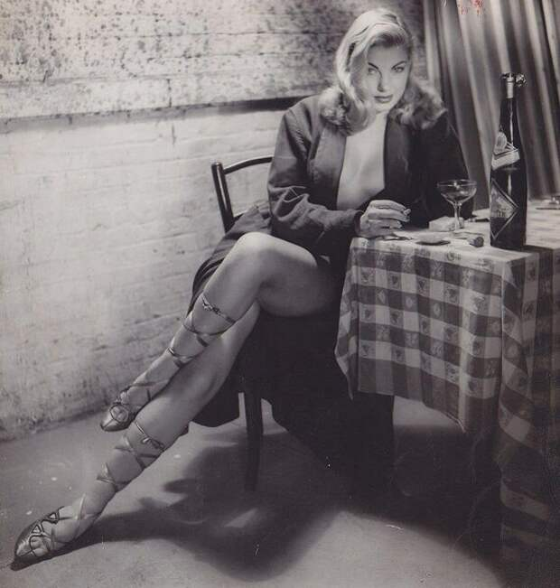Барбара Николс 1954