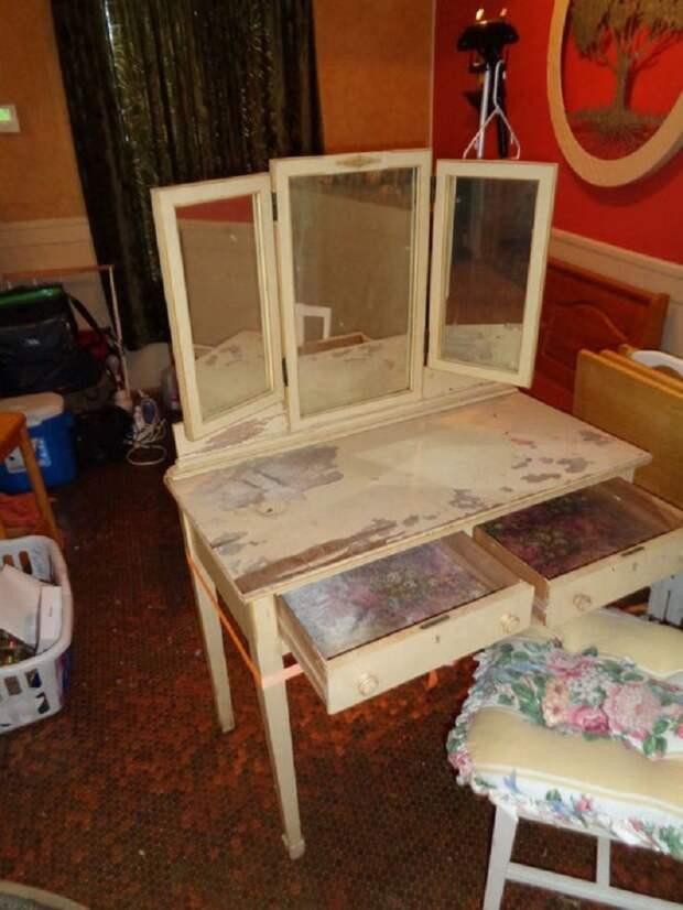 Немного краски, монеток — и туалетный столик с барахолки не узнать