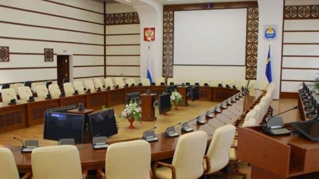 """Свиблов """"пробурит"""" в парламент через Бурятию"""