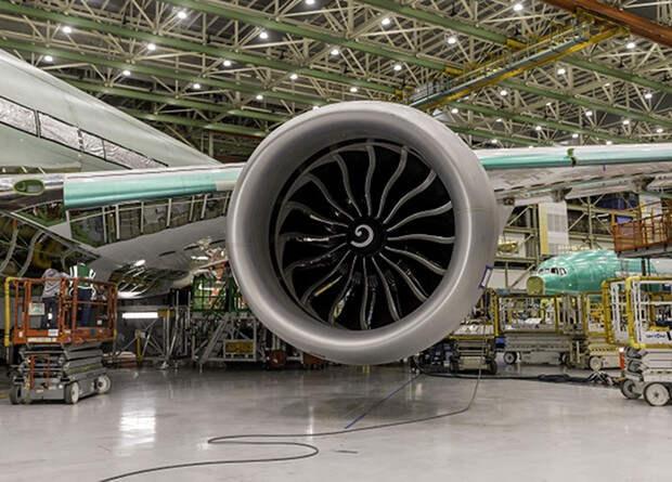 Крупнейший авиадвигатель прошел летные испытания