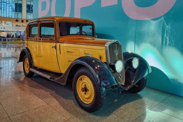 Выставка ретро-автомобилей открылась в аэропорту Домодедово авто, автовыставка, аэропорт, выставка, домодедово, олдтаймер, ретро авто, фоторепортаж