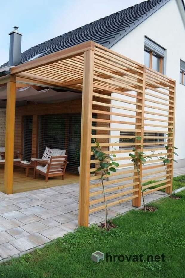 Деликатно закрываемся во дворе от чужих глаз : 60 идей деревянной ширмы