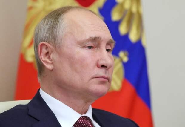 Запад в панике: Почему Путин молчит и топит полевые кухни?