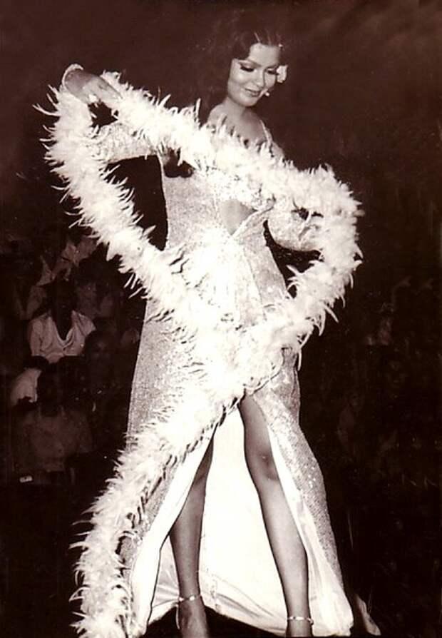 Зинат Аман на конкурсе Мисс Азия и Океания - 1970