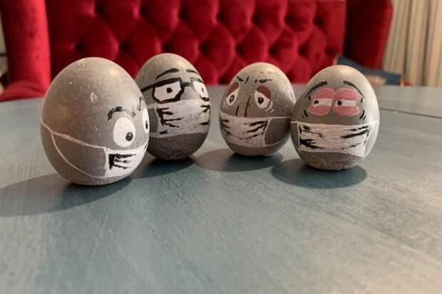 Челябинцам предложили к Пасхе суровые бетонные яйца