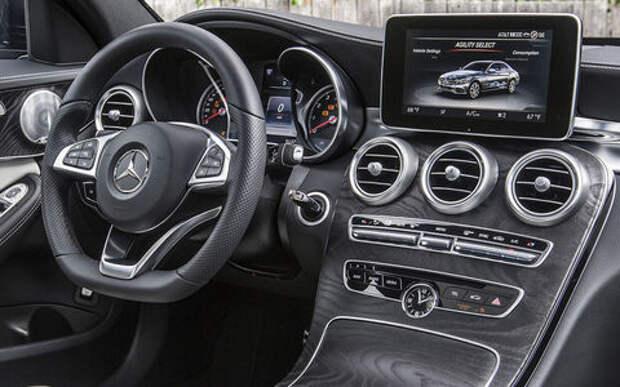 Mercedes-Benz снова отзывает автомобили в России