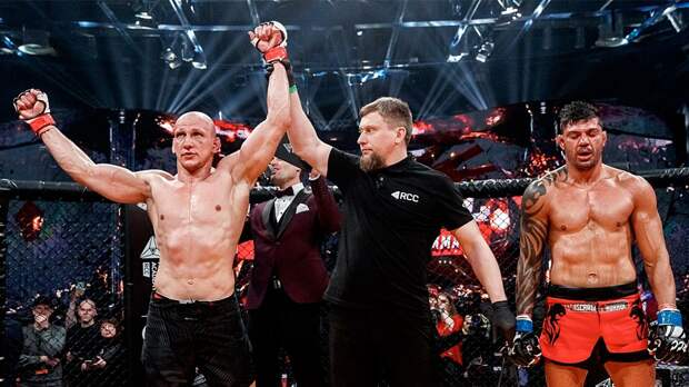 Василевский судейским решением победил Андраде на турнире RCC 9 в Екатеринбурге