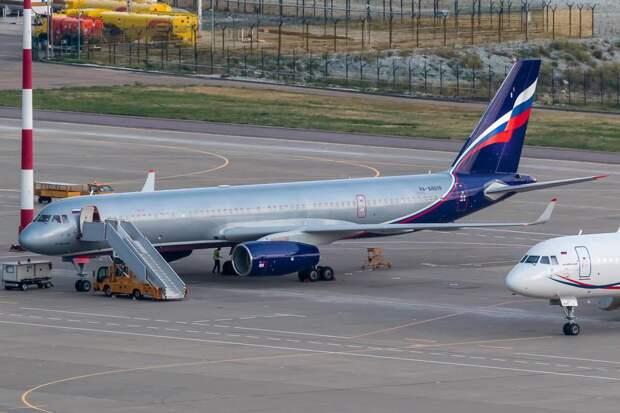 Самолет Ту-204 Мантурова отправлен на техобслуживание за ₽5 млн