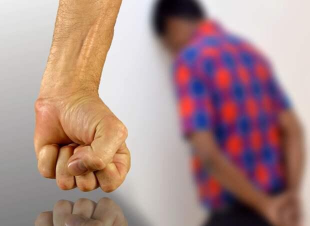 «Воспитание» электроошейником: мучившему детей свердловскому бизнесмену ужесточили наказание