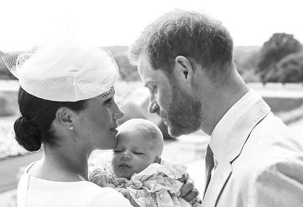 Дочь принца Гарри и Меган всё ещё не появилась в числе наследников престола на сайте королевской семьи