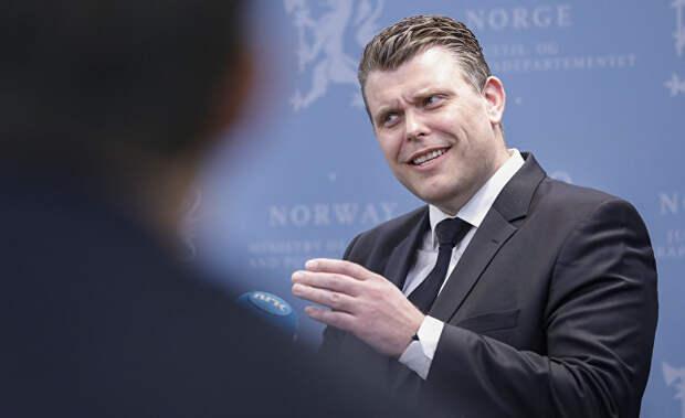 Министр юстиции Норвегии опозорился, оскорбив РФ